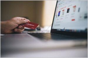 クレジットカードでAmazonプライム会費を支払うイメージ